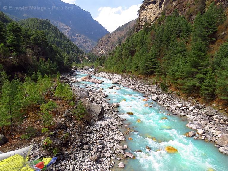 Río Dudh Koshi, camino a Phakding