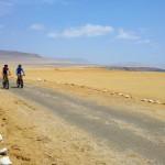 Bicileta camino a Lagunillas_Paracas