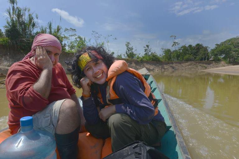 Con Álvaro Rocha en el río Abujao, Pucallpa