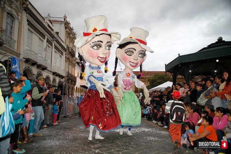 Cuenca es una fiesta todos los días. Foto tomada de www.cuenca.com.ec