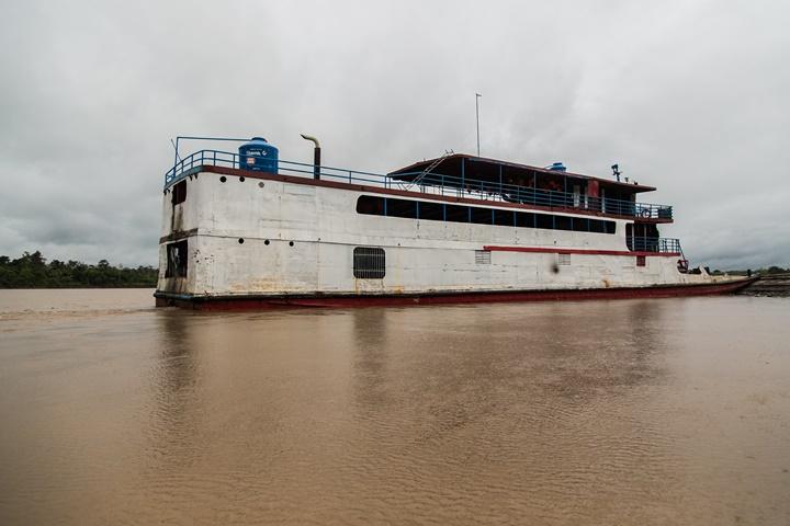 A bordo del Wachito I, los miembros de la Expedición Marañón 2017 recorrieron las cuencas del Huallaga, Marañón y Pastaza. Sebastián Castañeda / WWF Perú