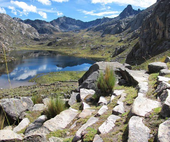 Tramo Xauxa - Pachacamac, graderías empedradas en la zona de escalerayoc, Tanta, Yauyos, Lima. Ministerio de Cultura.