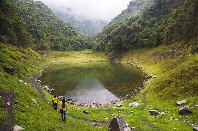 4-laguna-de-angascocha-agencia-andina