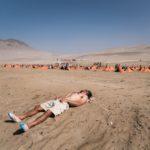 Merecido descanso frente a uno de los vivacs que se levantaron en el desierto peruano. Foto MDS Perú.