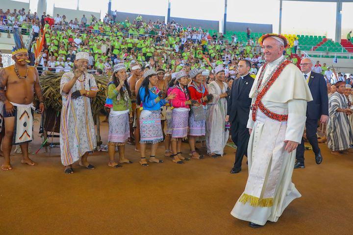 El avión del papa Francisco aterrizó a las 10 y 23 de la mañana a Puerto Maldonado, en Madre de Dios. Foto: ANDINA.