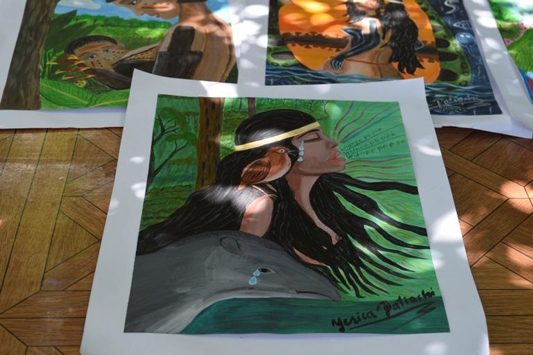 """Yesica Patiachi es pintura autodidacta y autora de """"Relatos orales Harakbut"""". Foto Charlie Peña"""
