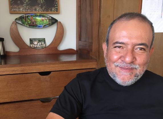 Biólogo Juan Loja Alemán. Foto Viajeros