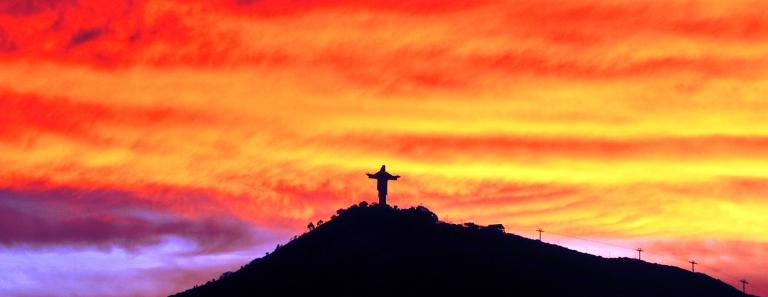 cristo-de-la-concordia-cochabamba-atardecer